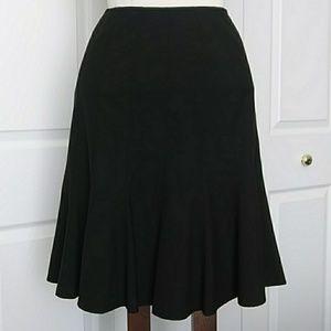 Tahari SZ 2P black skirt